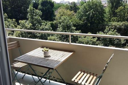 Chambre dans appartement lumineux très bien situé - Paris - Appartement