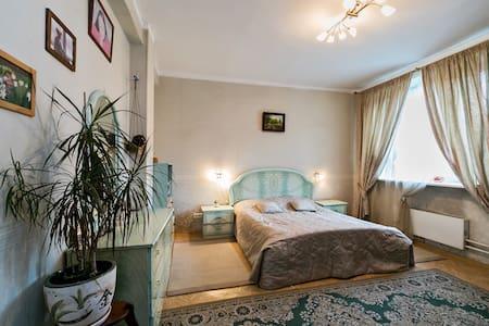 Большая квартира в тихом районе - Москва - Appartamento
