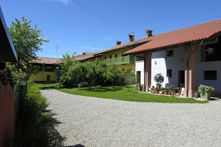 B&B Farmhouse I MOSAICI unità A - Brozolo - Bed & Breakfast