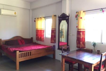 Panwa Beach Side Home Stay - Tambon Wichit - Villa