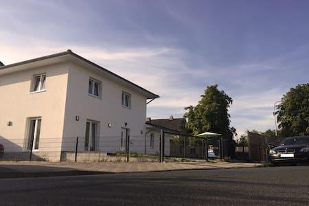 200 Squaremeter Villa Region Hannover - Villa
