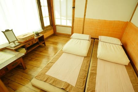 KoreanTraditionalHouse-Yeonu(Nesol) - Casa