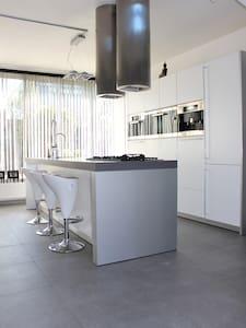 Urban Design Villa-room, Haarlem/Amsterdam! - Vijfhuizen
