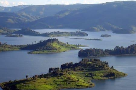 Lake Bunyonyi Eco Resort, Kyahugye Island - Ø