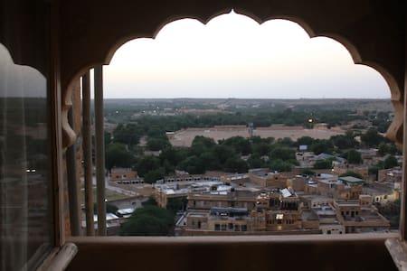 The Royal Turquoise! - Jaisalmer - Villa