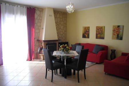 ATTICO 140 M+TERRAZZO 200M LIMBIATE - Limbiate - Appartement