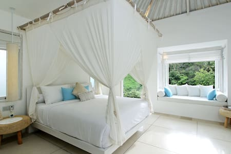 Romantic & Dreamy - Tara Suite - Ubud - Bed & Breakfast