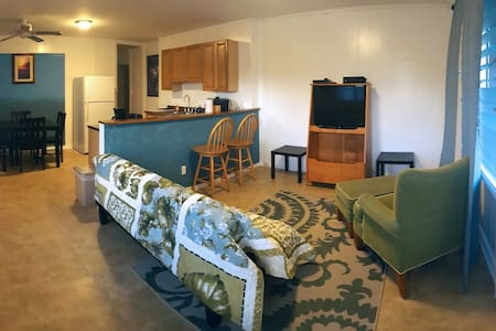 Two Bedroom Apartment, comfortable and clean. - Laie - Apartment