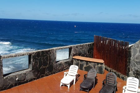 Spectacular luxury villa in 1st line sea - Playa del Hombre