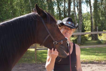 Hus till häst och manniska nära naturen - Riseberga - House
