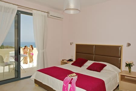 Carme Villas 800 m. from the sea private pool 4 - Adelianos Kampos - Villa