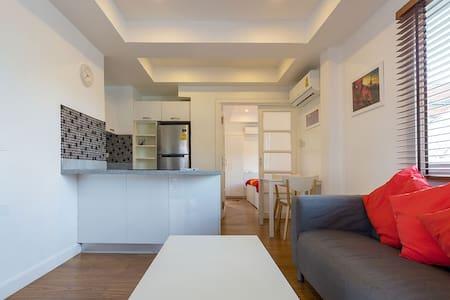 Suite 4 - Sunny Suites - Huoneisto
