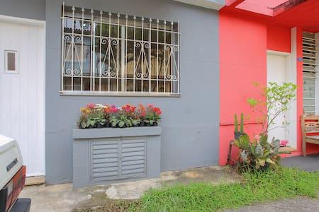 Quarto aconchegante na Vila - Casa