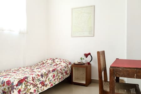 Private cozy room Hauz Khas Village