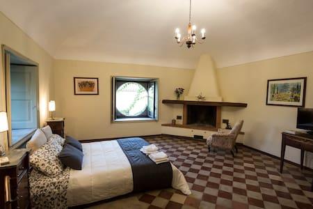 Tenuta del Gelso - Senator's room - Bed & Breakfast