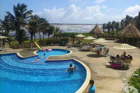 Great Flat in front the beach - Tucacas - Appartement