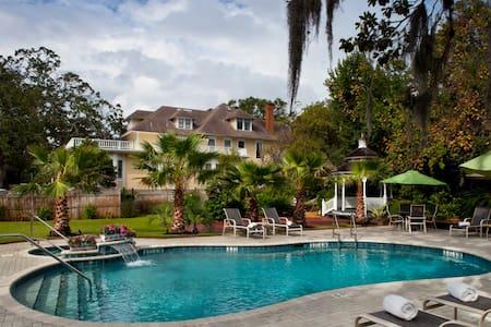 The Hoyt House Bed & Breakfast - Fernandina Beach