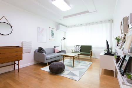 B&R HOUSE #1/ HongDae/ 3Bedrooms/ 66 Square meters - Apartment