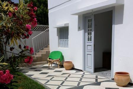 Harhoura, 1er étage indépendant  dans une  villa. - Ganze Etage