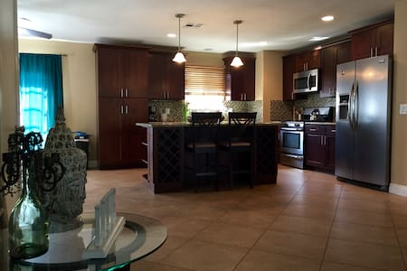 2 Bedrooms with mountain views - La Quinta - House