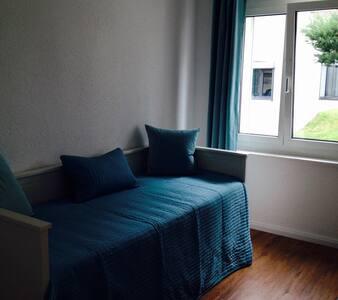 ruhiges Zimmer, 500 m zum See, optimal für Radler - Apartment