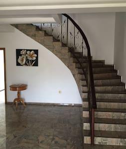 Magnificent 5 bedroom En Suite in Accra - Maison