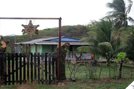 Casa do Xerife (Quarto CACIMBA) - House