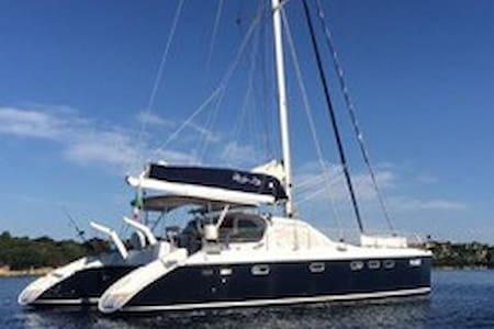 Luxury catamaran sail charter - Porto Pollo - Boat