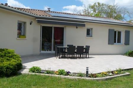 Maison individuelle récente - Hus