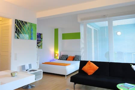I Berlin PURO Penthouse clean&save free parking - Berlin - Apartment