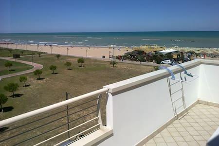Mansarda sul mare - Roseto degli Abruzzi - Appartement