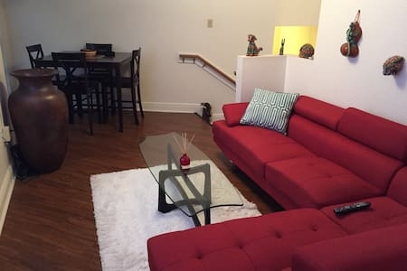 Room type: Entire home/apt Bed type: Real Bed Property type: Apartment Accommodates: 3 Bedrooms: 1 Bathrooms: 1