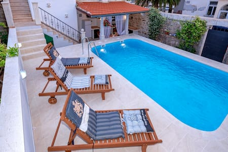 Deluxe villa with private pool and panoramic view - Jelsa