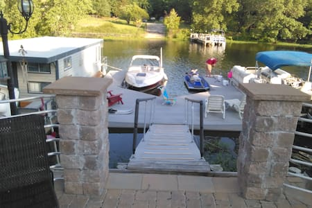 Lake living at its finest - Barco