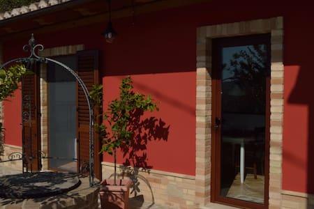 Casa di Buffi - Appartement - ruhig und gemütlich - Monsampietro Morico - Apartemen