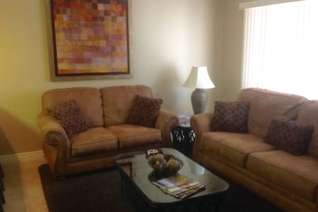 Largest 1 bedroom in Las Palmas Resort. Free WiFi - Condominium
