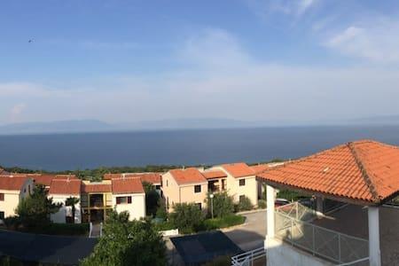 Koromač - beautiful view of the sea - Lägenhet