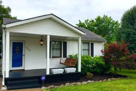 Beautiful Nashville Getaway House - Nashville - Ház