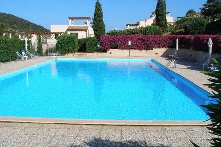 Bilocale in residence con piscina - Apartment