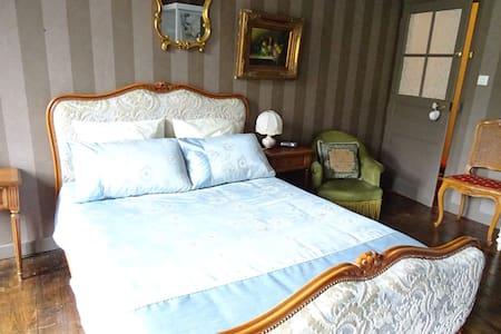 Mont St Michel Chambre de charme - Antrain - Bed & Breakfast