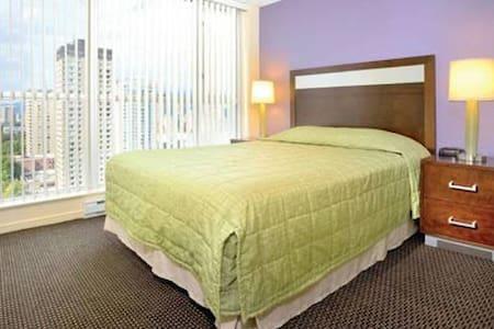Vancouver Gorgeous 1 BDRM Compact Q For 2 - Vancouver - Condominium