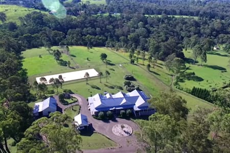 Kurrajong Farmhouse homestay B&B - Bed & Breakfast