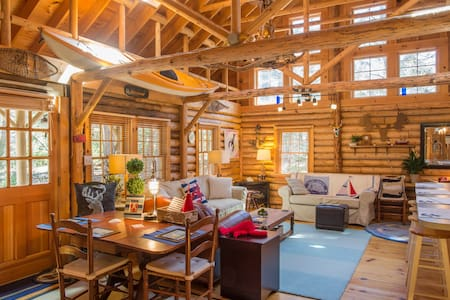 Cedar Log Cabin in Boothbay Harbor - Kabin