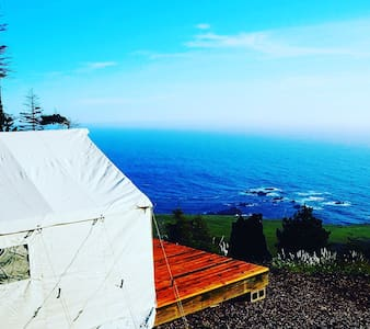 Glamping tent 400 feet above the Pacific Ocean - Stewarts Point - Bed & Breakfast