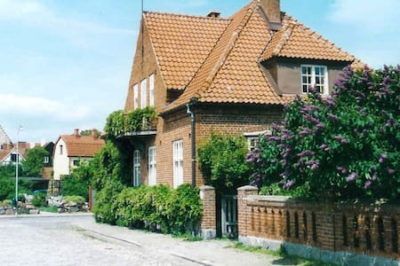 Rosentorgets bed and breakfast - Simrishamn - Bed & Breakfast