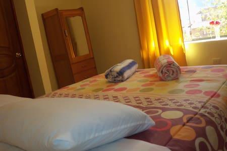 DOUBLE ROOM IN SACRED VALLEY - Urubamba - Bed & Breakfast