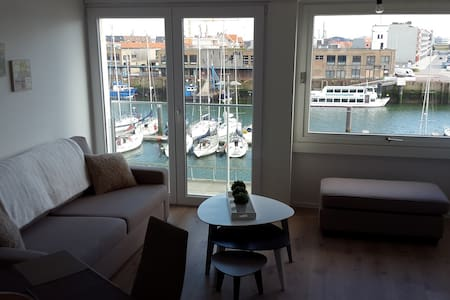 Marina View Deluxe Apartment - Apartament