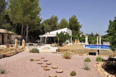 maison de campagne avec piscine et grand jardin - LLIBER - Hus