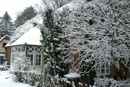 Romantic House, See- und Ostseenähe - House
