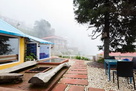 Seclude Mussoorie(Boutique Hotel)-Yellow Submarine - Bungalow
